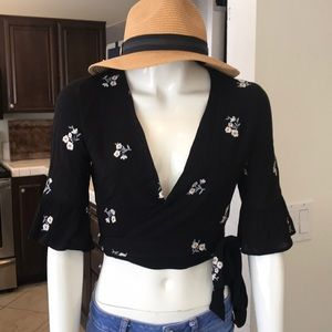 Tops - Ivy & Main black Crop wrap floral top
